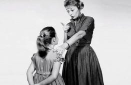 mother-daughter conflict, mother lecturing little girl
